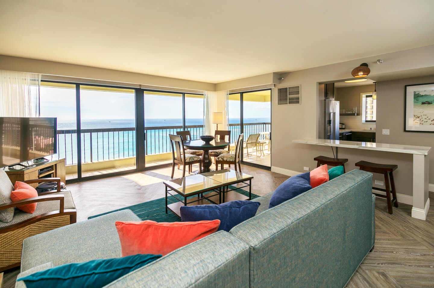 Waikiki Condos The Residences At Waikiki Beach Tower Aqua Aston Hotels