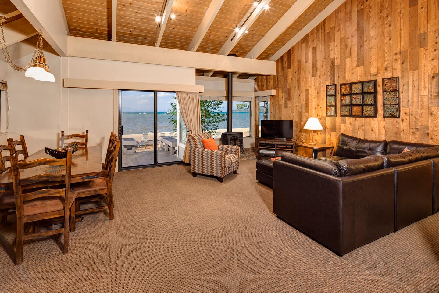 lakeview - 5-bedroom 5-bath with loft  