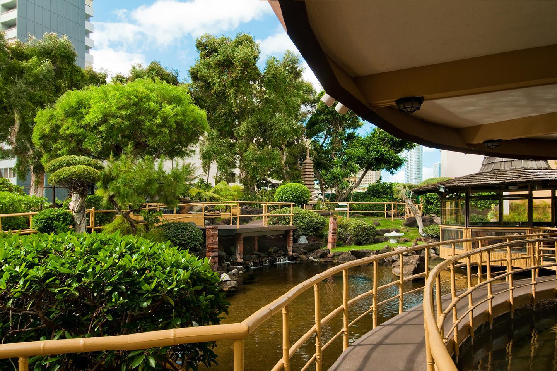 Affordable Honolulu Hotels Pagoda Hotel Aqua Aston Hotels
