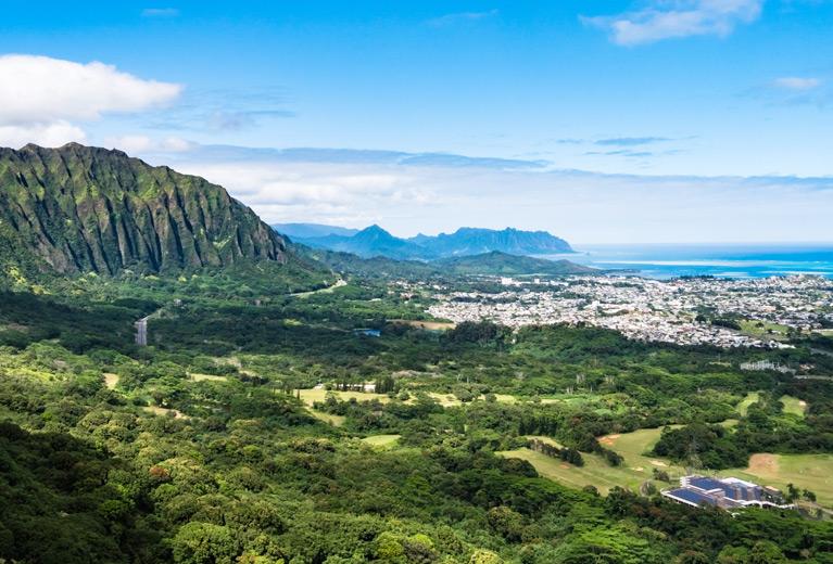 nuuanu-pali-lookout-header-767x520.jpg